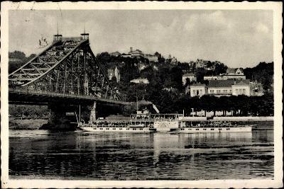 Dresden Loschwitz, Dampfer Stadt Wehlen A. D. Elbe--Giclee Print