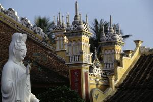 Du Hang Pagoda Temple, Hai Phong, Vietnam
