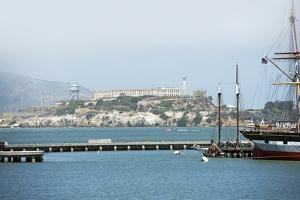 Alcatraz Island by duallogic