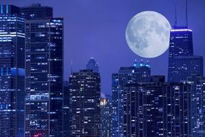 Skyline and Moon by duallogic
