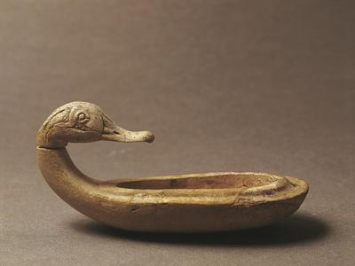 https://imgc.artprintimages.com/img/print/duck-shaped-ivory-cosmetic-case-artefact-from-egyptian-port-of-ugarit-or-ras-shamra-syria_u-l-pp39oa0.jpg?p=0