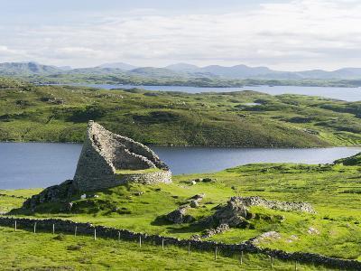 Dun Carloway Broch, Doune Carlabhagh, Isle of Lewis. Scotland-Martin Zwick-Photographic Print
