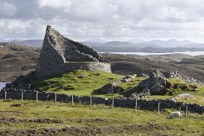 Dun Carloway, Isle of Lewis, Outer Hebrides, Scotland, 2009-Peter Thompson-Photographic Print