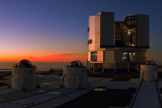 Dusk at the Very Large Telescope Operated by the European Southern Observatory on Cerro Paranal-Babak Tafreshi-Photographic Print
