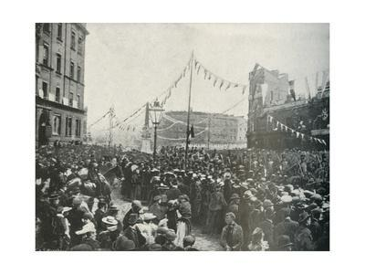'The Royal Procession: The Royal Horse Artillery Passing St. George's Circus, Borough', 1897