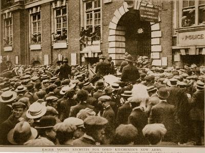 Eager Young Recruits for Lord Kitchener's New Army, 1914-19--Giclee Print