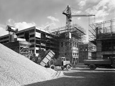 https://imgc.artprintimages.com/img/print/early-1950s-bedford-m-tipper-delivering-aggregates-to-a-building-site-south-yorkshire-july-1954_u-l-q10mb7j0.jpg?p=0