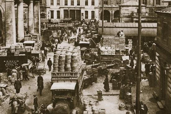 Early morning, Covent Garden Market, London, 20th century-Unknown-Photographic Print