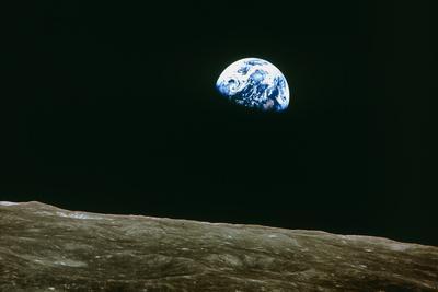 https://imgc.artprintimages.com/img/print/earthrise-over-moon-apollo-8_u-l-pziu2l0.jpg?p=0