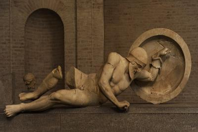 East Pediment's Group of the Temple of Aegina. Ca. 490 BC--Giclee Print