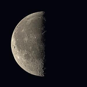 Last Quarter Moon by Eckhard Slawik