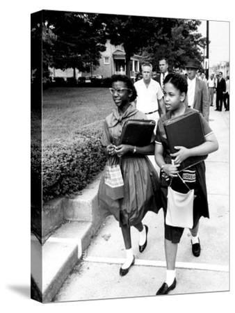 African American Students Going to the 8th Grade as Segregation Ends
