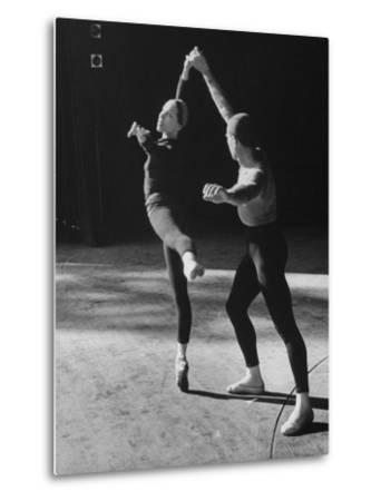 """Ballerina Maria Tallchief Rehearsing """"Swan Lake"""" with Andre Eglevsky"""