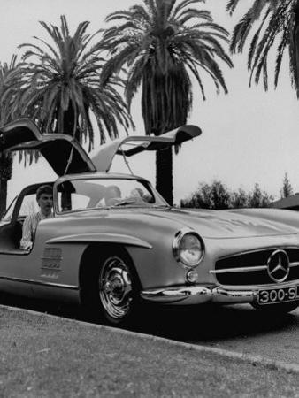 Mercedes Gullwing Sports Car