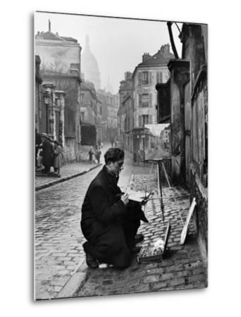 Young Artist Paints Sacre Coeur from the Ancient Rue Narvins