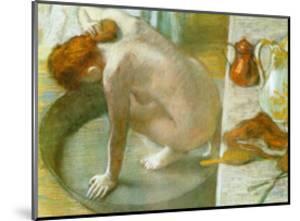Le Tub by Edgar Degas