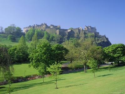 Edinburgh Castle and Gardens, Edinburgh, Lothian, Scotland, UK, Europe-Roy Rainford-Photographic Print