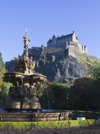 https://imgc.artprintimages.com/img/print/edinburgh-castle-edinburgh-lothian-scotland-uk_u-l-pfp82m0.jpg?p=0