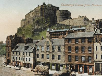 Edinburgh Castle from the Grassmarket--Photographic Print