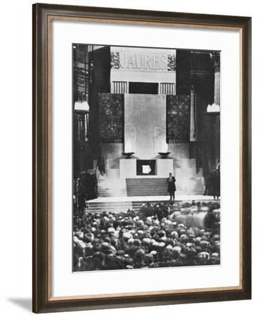 Edouard Herriot Making a Speech During the Transfer of Jean Jaures to the Pantheon--Framed Photographic Print