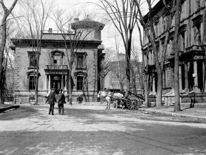 Montreal, Canada, 1910 by Edward Hungerford