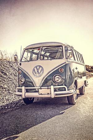 Surfers Vintage VW Bus