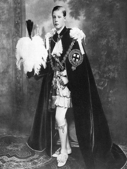 Edward, Prince of Wales as a Knight of the Garter, Early 20th Century--Giclee Print