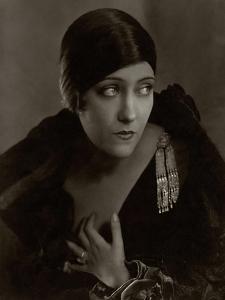 Vanity Fair - February 1925 by Edward Steichen