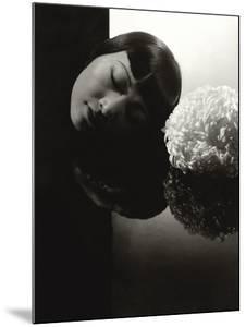 Vanity Fair - January 1931 by Edward Steichen