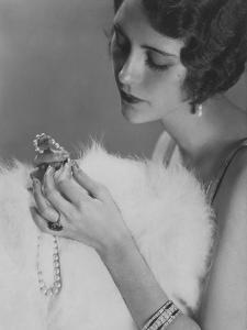 Vogue - January 1925 by Edward Steichen