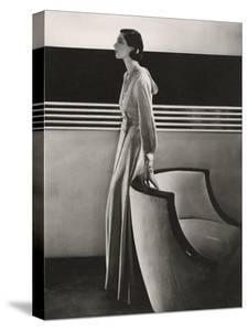 Vogue - November 1933 by Edward Steichen