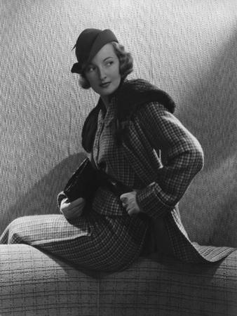 Vogue - November 1934 - Gwili Andre in Wool-Collared Suit