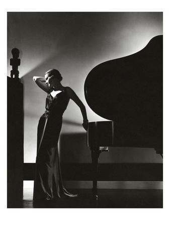 Vogue - November 1935 - Piano Silhouette