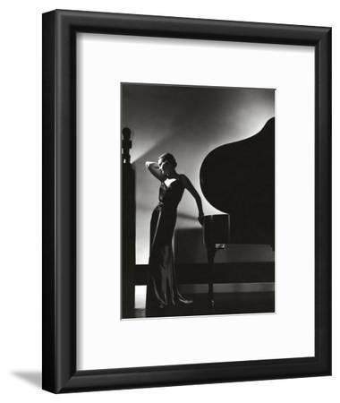 Vogue - November 1935 - Piano Silhouette
