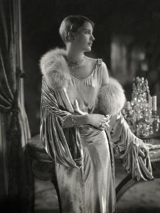 Vogue - September 1928 - Lee Miller Wears Jay Thorpe by Edward Steichen