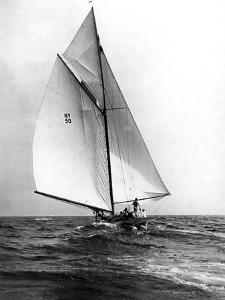 Broken Mast on the Marilee by Edwin Levick