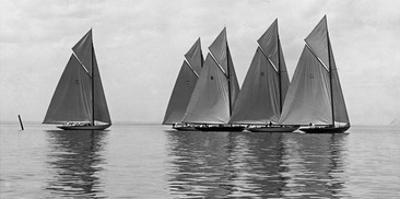 The Istalena Greyline in a Race, 1921