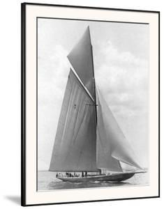The Vanitie During the America's Cup, 1910 by Edwin Levick