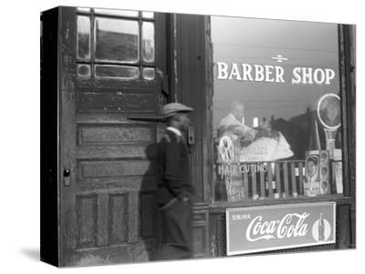 Chicago: Barber Shop, 1941