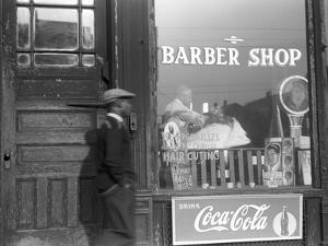 Chicago: Barber Shop, 1941 by Edwin Rosskam