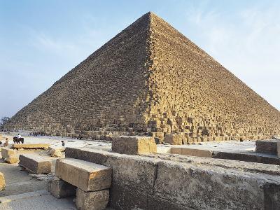Egypt, Giza, Giza Pyramids, Kheops Pyramid and Tombs of Princes.--Giclee Print