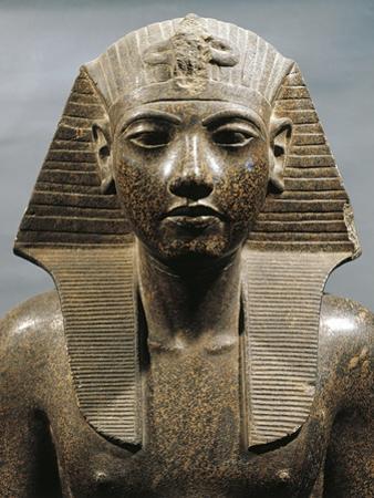 Egypt, Medinet Habu, Statue of Pharaoh Tutankhamun