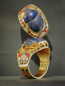 Scarab Bracelet, from the Tomb of Tutankhamun, New Kingdom (Gold and Lapis Lazuli) by Egyptian 18th Dynasty