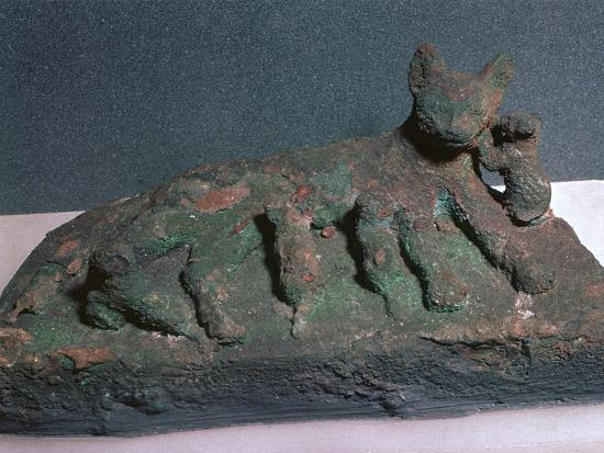 Egyptian bronze of a cat and kittens-Unknown-Giclee Print