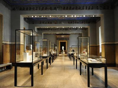 Egyptian Room, Neues Museum, Berlin--Photographic Print