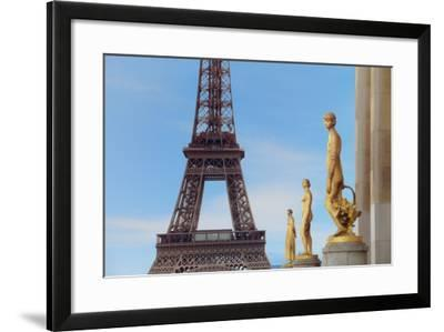 Eiffel Tower and Les Oiseaux Statues-Cora Niele-Framed Photographic Print
