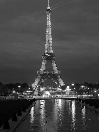 https://imgc.artprintimages.com/img/print/eiffel-tower-and-reflection-at-twilight-paris-france-europe_u-l-pxmv4i0.jpg?p=0