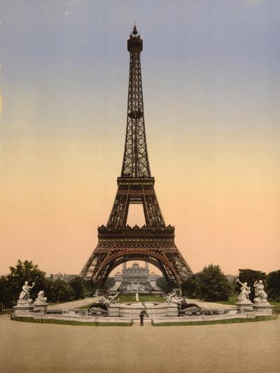 Eiffel Tower, Full-View, Looking Toward the Palais Du Trocadéro, Paris, France, C.1890-C.1900--Giclee Print