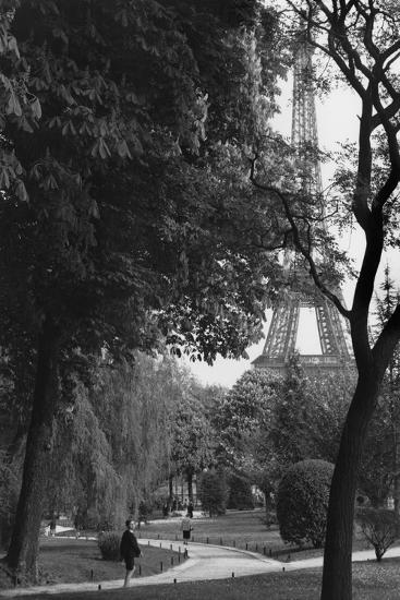 Eiffel Tower, Paris c1950-Jules Dortes-Giclee Print
