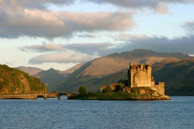 Eilean Donan Castle, Highland, Scotland-Peter Thompson-Photographic Print